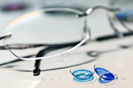 眼鏡とコンタクトレンズの処方について